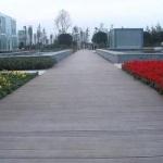 13-14_plastic-wood-composite-walkway_01